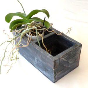 Dekotations kasse lavet af genbrugstræ