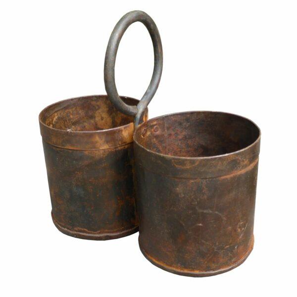 Potter i rustpatineret jern